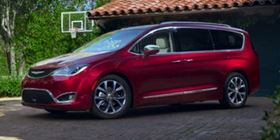 2018 Chrysler Pacifica Touring L [VIN:2C4RC1BG9JR127917]