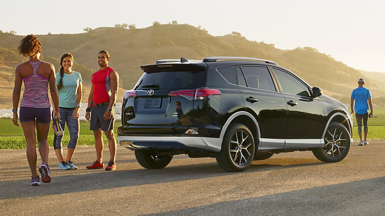 A 2018 Toyota RAV4 Available in Braintree, MA