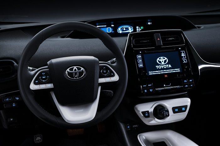 Interior features of 2016 Toyota Prius Hybrid