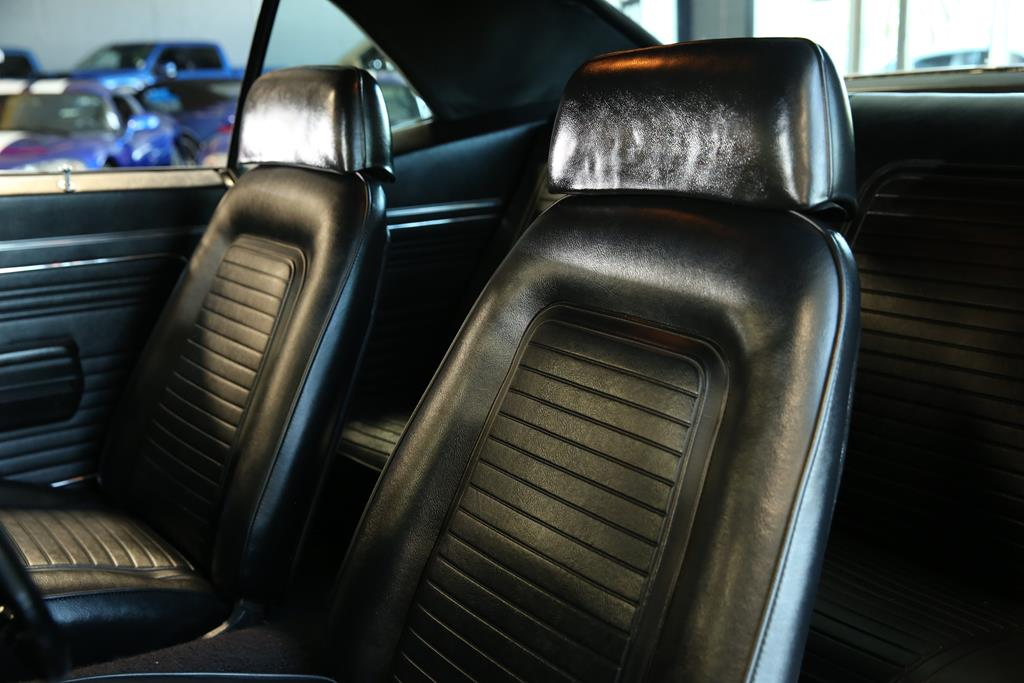 vehicle carousel slide 29