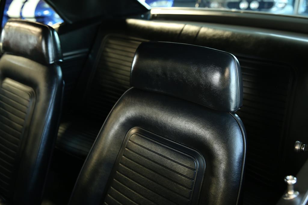 vehicle carousel slide 30
