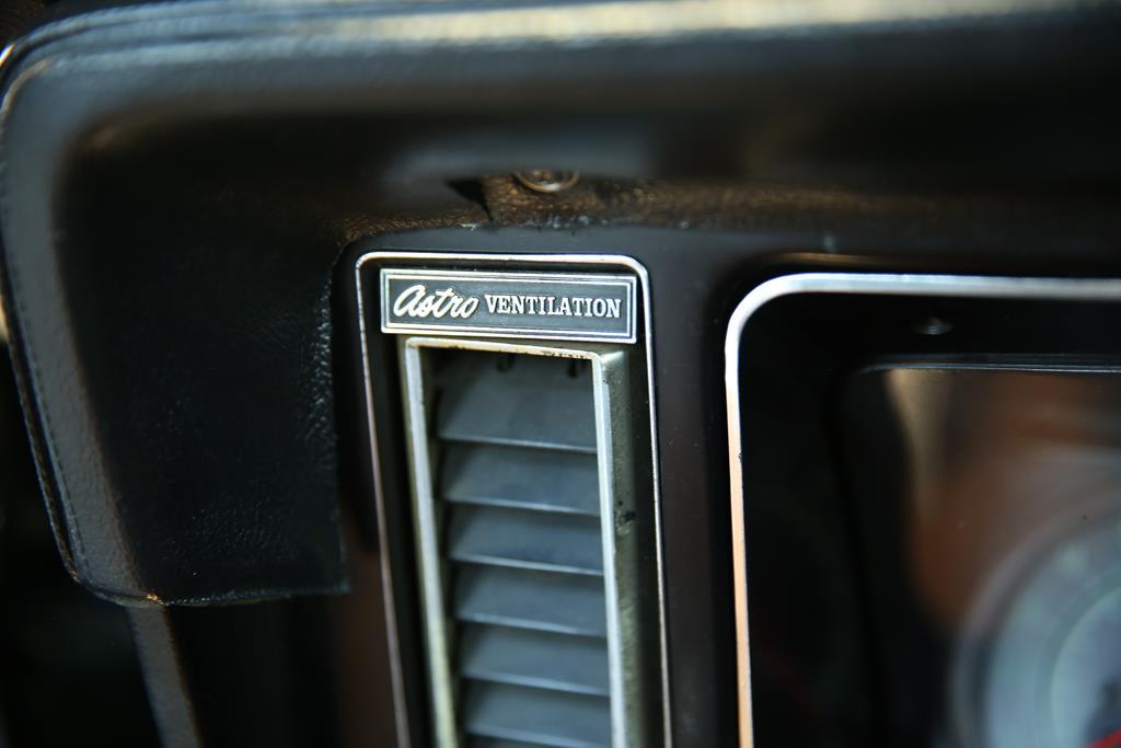 vehicle carousel slide 36