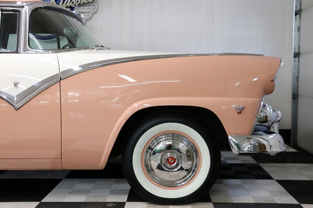 1955 Ford Crown Victoria 42