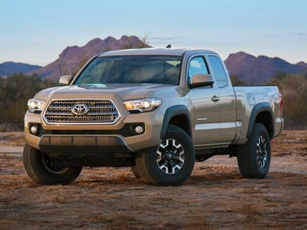 Used 2018 Toyota Tacoma SR5 [VIN: 3TMCZ5AN0JM144785] for sale in Braintree, Massachusetts