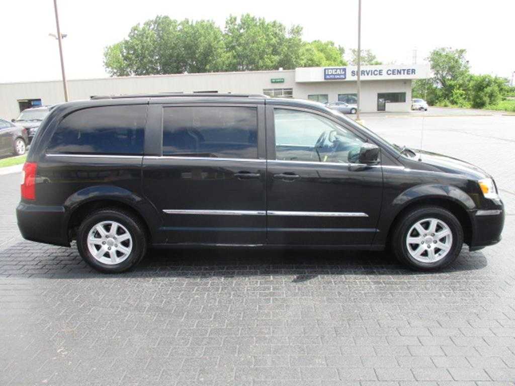 Used 2012 Chrysler Town & Country