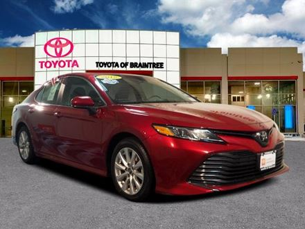Used 2018 Toyota Camry LE [VIN: 4T1B11HK1JU616345] for sale in Braintree, Massachusetts
