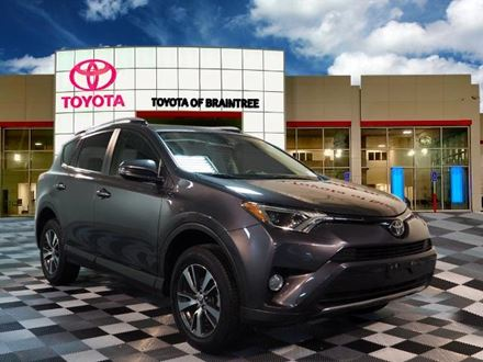 Used 2018 Toyota RAV4 XLE [VIN: JTMRFREV8JJ175218] for sale in Braintree, Massachusetts