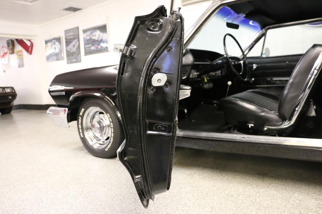 1963 Chevrolet Impala 32