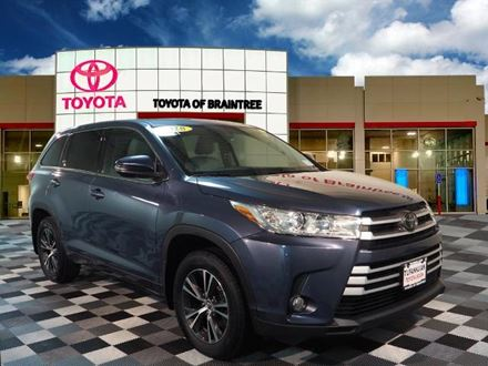 Used 2018 Toyota Highlander LE Plus [VIN: 5TDBZRFHXJS486167] for sale in Braintree, Massachusetts
