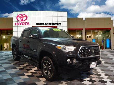 Used 2018 Toyota Tacoma TRD Sport [VIN: 3TMCZ5AN4JM123812] for sale in Braintree, Massachusetts